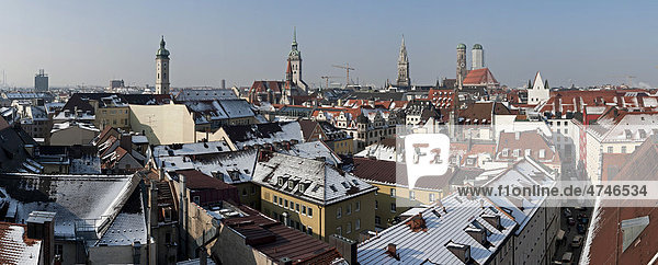 Panorama and skyline of Munich  from the roof of the Mandarin Oriental Hotel  Munich  Bavaria  Germany  Europe