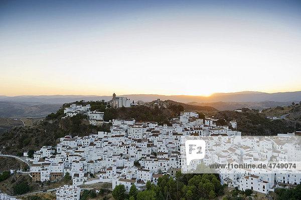 Casares  weißes Dorf bei Marbella  Andalusien  Spanien  Europa