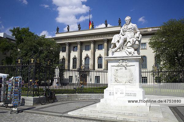 Alexander von Humboldt Statue  Humboldt-Universität  HU Berlin  Hochschule  Unter den Linden  Dorotheenstadt  Berlin  Deutschland  Europa