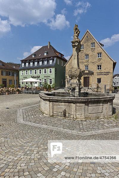 Marktplatz  Schlossplatz  Weikersheim  Baden-Württemberg  Deutschland  Europa