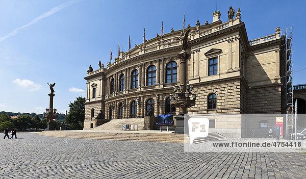Das Nationaltheater  Rudolfinum  Prag  Tschechische Republik  Europa