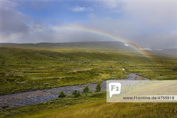 Regenbogen am Polarkreis  Saltfjell  Norwegen  Skandinavien  Europa