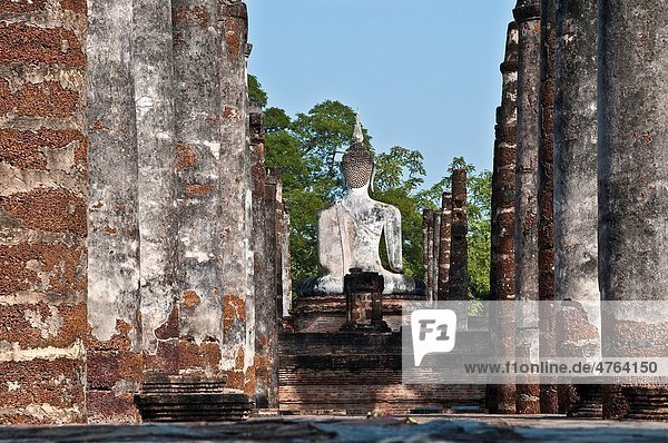 Sitting Buddha statue  Wat Mahathat  Sukhothai Historical Park  Thailand