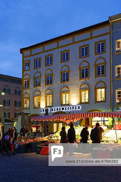 Max-Josefs-Platz  Rosenheim  Oberbayern  Bayern  Deutschland  Europa