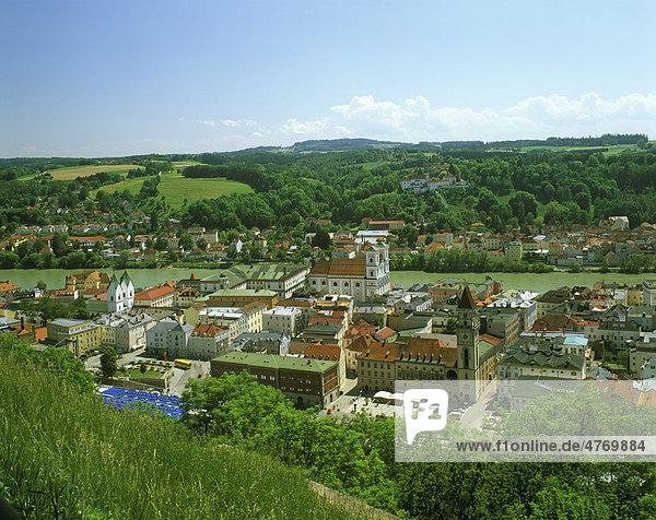 Altstadt zwischen Inn und Donau  Passau  Niederbayern  Bayern  Deutschland  Europa