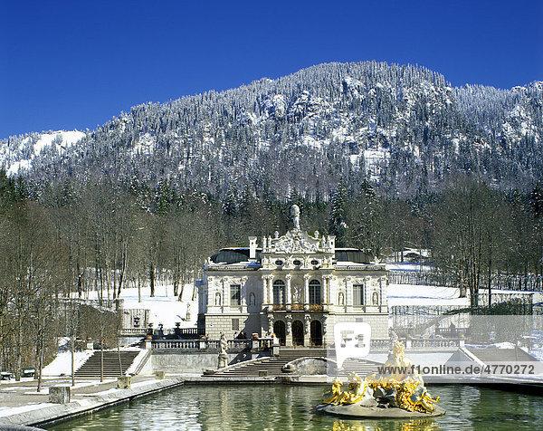 Schloss Linderhof castle  Graswangtal valley  Upper Bavaria  Germany  Europe