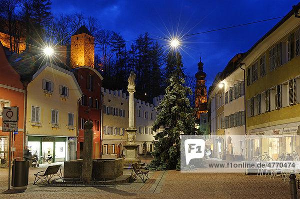 Oberragen mit Burg Bruneck  Pustertal  Südtirol  Italien  Europa