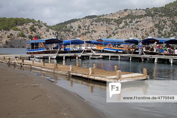 Schiffsanleger  Iztuzu-Strand  Dalyan  Lykien  Türkei  Asien
