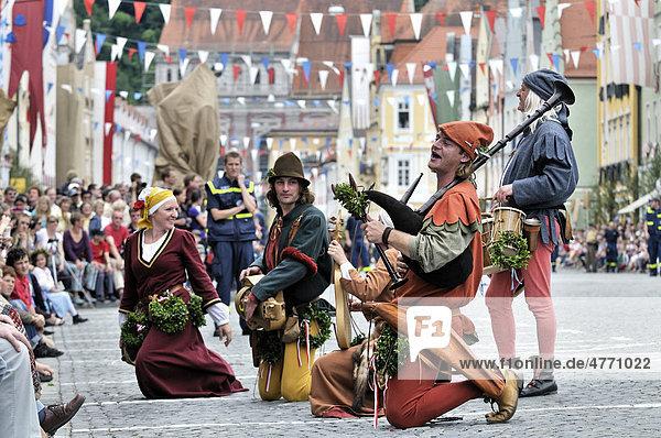 Musicians playing historic instruments at the Landshut Wedding 2009  a large medieval pageant  Landshut  Lower Bavaria  Bavaria  Germany  Europe