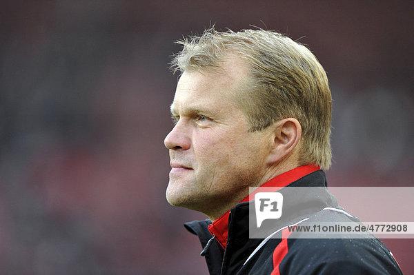 Trainer Frank SCHAEFER  1. FC Köln