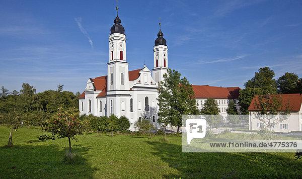 Das Kloster Irsee  Kloster der Benediktiner in Irsee  Diözese Augsburg  Schwaben  Landkreis Ostallgäu  Bayern  Deutschland  Europa