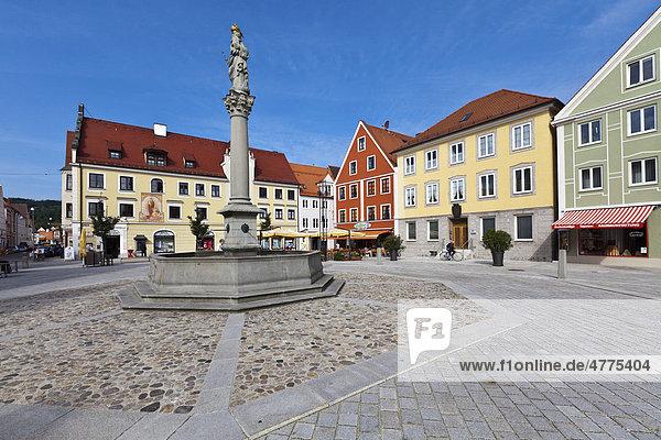 Marienplatz  Mindelheim  Schwaben  Landkreis Unterallgäu  Bayern  Deutschland  Europa