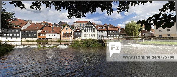 Altstadt mit Fluss Haßlach  Kronach  Oberfranken  Bayern  Deutschland  Europa