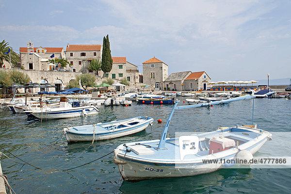Hafen von Bol  Insel Brac  Adriaküste  Kroatien  Europa
