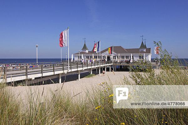 Seebrücke in Ahlbeck  Insel Usedom  Ostsee  Mecklenburg-Vorpommern  Deutschland  Europa