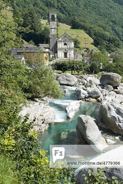 Pfarrkirche Madonna degli Angeli  Lavertezzo in Tessin  Schweiz  Europa