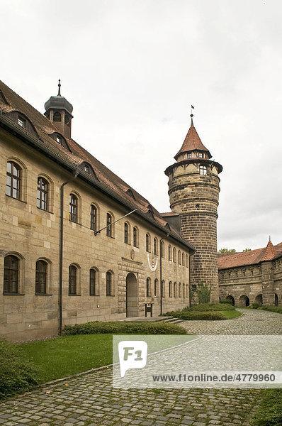 Veste Lichtenau  erbaut 1558 bis 1630  gehörte 400 Jahre zur Freien Reichstadt Nürnberg  heute Außenstelle des Staatsarchivs Nürnberg  Franken  Bayern  Deutschland  Europa