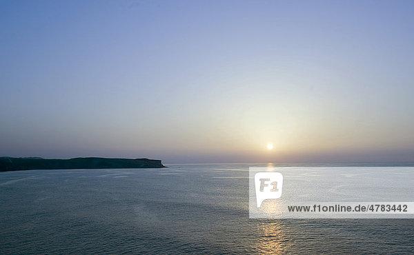 Sonnenuntergang an der Halbinsel Punta del Dichoso  Suances an der Grünen Küste  Costa Verde  Kantabrien  Nordspanien  Spanien  Europa
