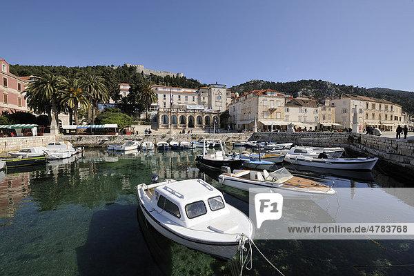 Venetian Loggia and the harbour with boats  Hvar  Hvar Island  Croatia  Europe
