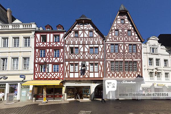 Half-timbered houses on Hauptmarkt square  Trier  Rhineland-Palatinate  Germany  Europe
