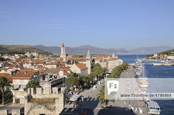 View of the city  waterfront  old town  Trogir  Croatia  Europe