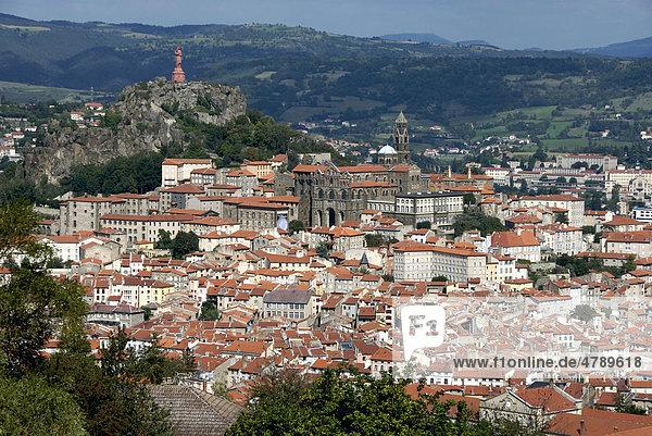 Stadtansicht  Le Puy-en-Velay  Haute-Loire  Auvergne  Frankreich  Europa