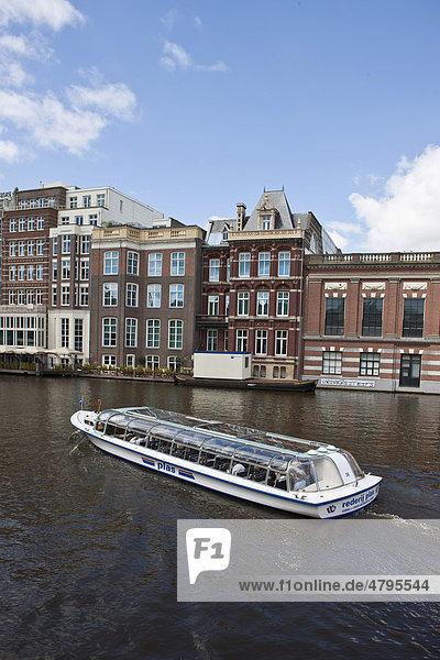 Ausflugsboot  Schiffsrundfahrt Grachtentour bei Nieuwe Doelenstraat 2  Rokin  Amsterdam  Holland  Niederlande  Europa