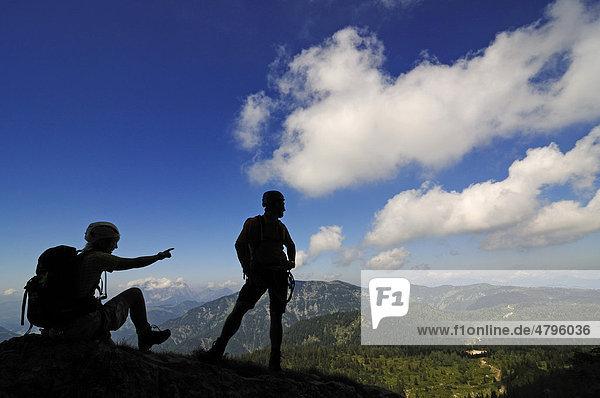 Climbers  Gamssteig climbing route  Steinplatte Mountain  outdoor  Reit im Winkl  Chiemgau  Upper Bavaria  Bavaria  Germany  Tyrol  Austria  Europe