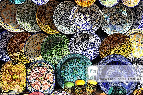 afrika iblwgb01656626, bemalte keramik-teller mit