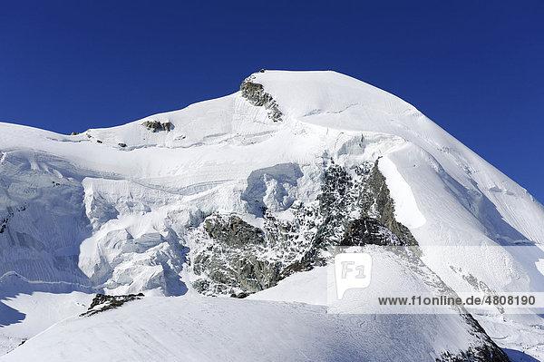 Allalinhorn oder Allalin  in den Walliser Alpen bei Saas Fee  Wallis  Schweiz  Europa