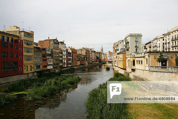 Cityscape with the Onyar River  Girona  Catalonia  Spain  Europe