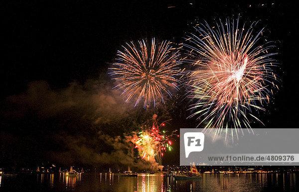Feuerwerk in Rottach-Egern  Tegernsee  Bayern  Deutschland  Europa