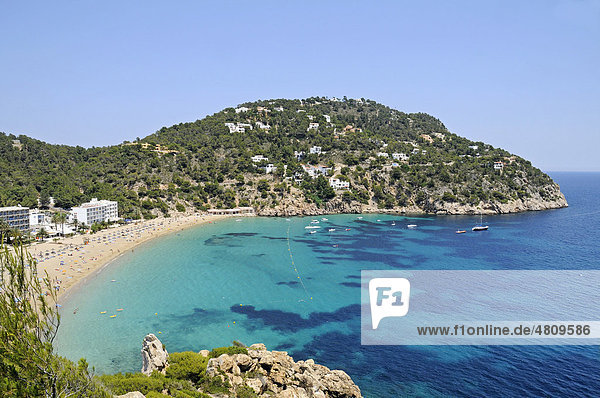 Strand  Bucht  Cala de San Vicente  Punta Grossa  Ibiza  Pityusen  Balearen  Insel  Spanien  Europa