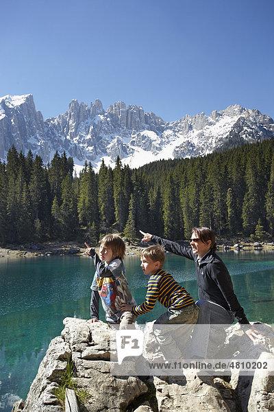 Karersee  Latemargruppe  Dolomiten  Südtirol  Italien  Europa