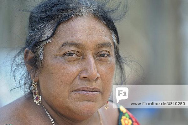 Maya Frau  Chichen Itza  Yucatan  Mexiko  Nordamerika