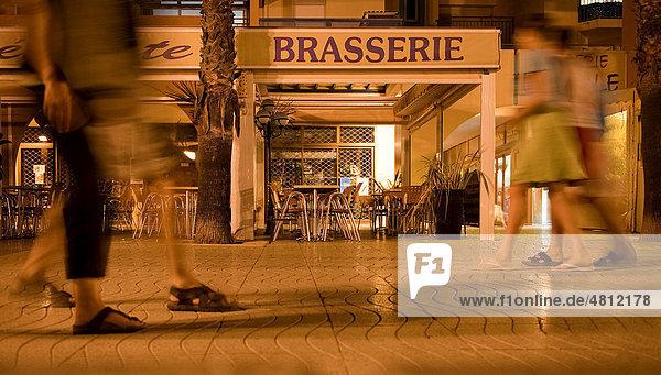 Nächtliche Hafenpromenade in ArgËles sur Mer  Languedoc-Roussillon  Südfrankreich  Frankreich  Europa