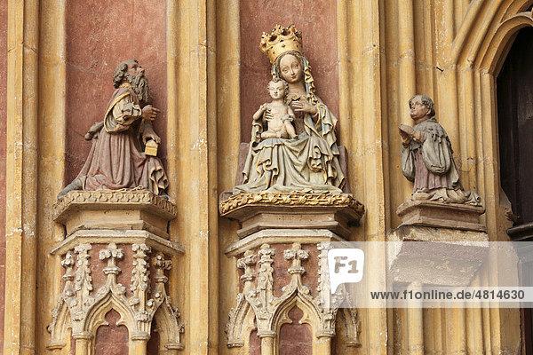 Anbetung der Könige am Hauptportal vom Dom  Eichstätt  Altmühltal  Oberbayern  Bayern  Deutschland  Europa