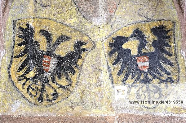 Gemalte Wappen an einer Hauswand im Kloster Alpirsbach  Landkreis Freudenstadt  Baden-Württemberg  Deutschland  Europa Gemalte Wappen an einer Hauswand im Kloster Alpirsbach, Landkreis Freudenstadt, Baden-Württemberg, Deutschland, Europa