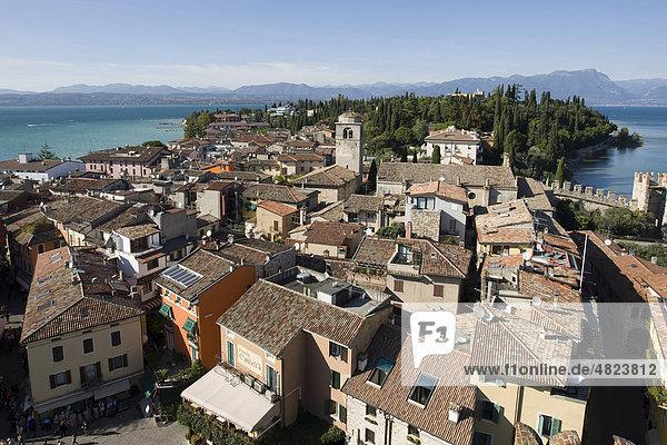 Harbour and historic city at Castello Scaligero castle  Sirmione village  Lago di Garda  Lake Garda  Lombardy  Italy  Europe