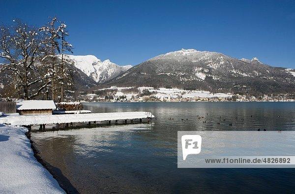 Österreich  Salzkammergut  Blick auf St.Wolfgang mit Wolfgangsee