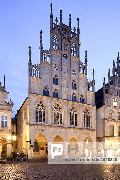 Historic City Hall  Prinzipalmarkt square  Muenster  Westphalia  North Rhine-Westphalia  Germany  Europe