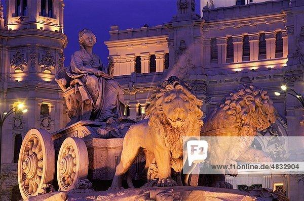 Architektur  Cibeles  Europa  Brunnen  Urlaub  Landmark  Madrid  Nacht  Plaza  Spanien  Europa  Statue  Tourismus  Reisen  Vacati