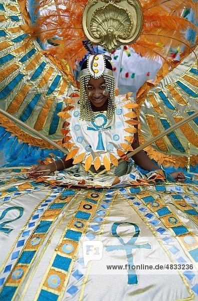 Ankh  Karibik  Karneval  Kind  Kostüm  Mädchen  Urlaub  Landmark  Menschen  Tourismus  Reisen  Trinidad  Urlaub  Welt  Welt-tr