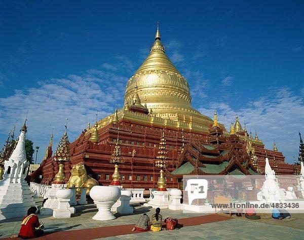 Asian  Bagan  Buddhismus  Anhänger  Urlaub  Landmark  Myanmar  Pagode  Relikt  Shwezigon  Stupa  Tempel  Zahn  Tourismus  Reisen  V