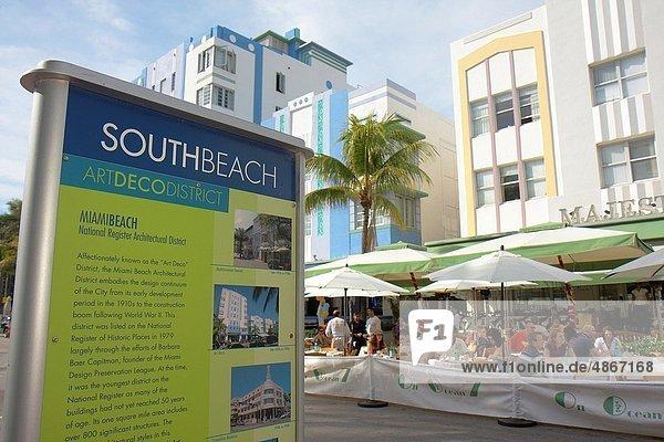 Florida  Miami Beach  ´Ocean Drive´  Art Deco District  New Year´s Day  al fresco  alfresco  dining  restaurant  hotel  sign  information