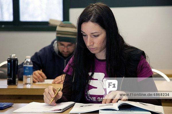 Einkaufszentrum  Technik  Boden  Fußboden  Fußböden  Einheit  Training  lernen  Klassenzimmer  bedecken  Schreiner  Lehrling  Maurer  Michigan  Gewerkschaft