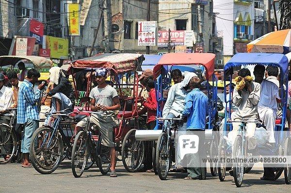 Delhi  Hauptstadt  Mann  Straße  beschäftigt  neu