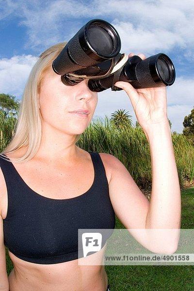 Frau  suchen  Paar  Paare  Fernglas  groß  großes  großer  große  großen