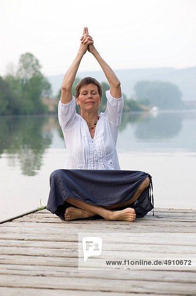 Meditation  Führung  Anleitung führen  führt  führend  Pilates