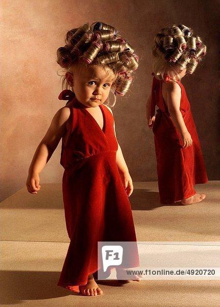Lockenwickler  Kleidung  jung  Mädchen  Haar